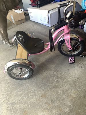 Pink Schwinn toddler bike new condition for Sale in Macomb, MI