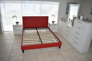 BEDROOM SET- JUEGO DE CUARTO for Sale in Miami, FL