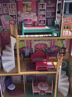 KidKraft Elegant Dollhouse Manor for Sale in Atwater,  CA