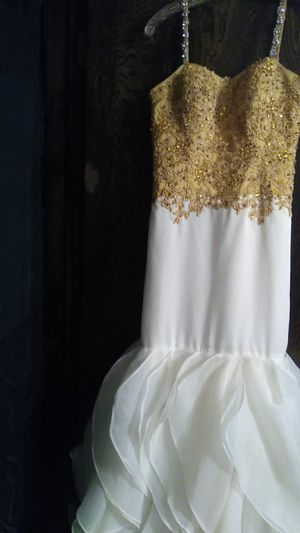 Beautiful white and gold embroidery dress for any occasion. for Sale in Edmond, OK