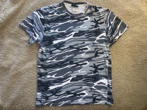 Men's black white gray camo t shirt medium crewneck for Sale in San Antonio, TX