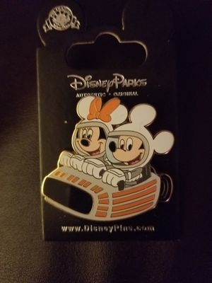 DISNEY PINS AUTHENTIC FROM DISNEYLAND for Sale in Beaumont, CA
