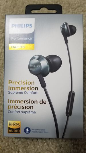 Phillips performance PRO6305 in-ear headphones for Sale in Memphis, TN