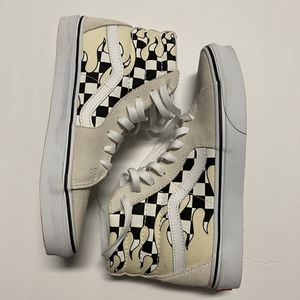 Vans High Tops, Checkered Flame Print for Sale in Desert Hot Springs, CA