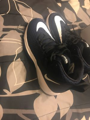 Nike hooping shoes for Sale in Clarksville, TN