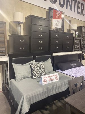 4Pc Queen Bedroom Set Sale for Sale in Portland, OR