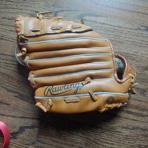 "Rawlings Baseball glove ""Rickey Henderson"" model RBG 135. for Sale in Mount Prospect, IL"