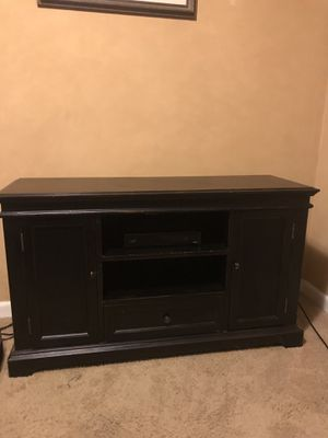 Entertainment center/tv stand for Sale in Columbia, TN