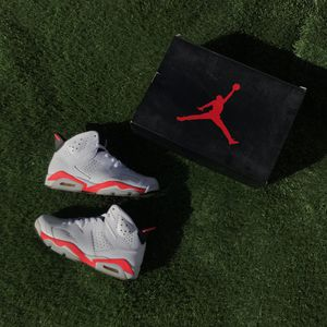 Jordan retro white Infrared 6 for Sale in Las Vegas, NV