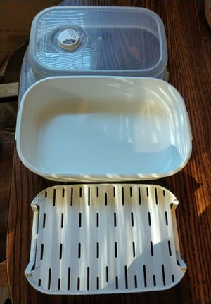 116 oz microwave reheatable dish for Sale in Newton, KS
