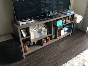 "Modern wood 16"" TV stand for Sale in Chicago, IL"