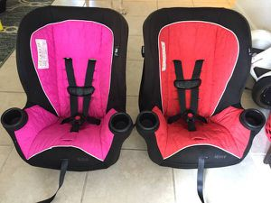 Minnie & Mickey Mouse Convertible Car Seat - Set of 2 for Sale in West Palm Beach, FL