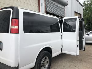 2011 Chevy express 3500 6.0 for Sale in Houston, TX