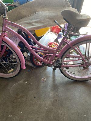 Bike bech crusin 26 $80 obo for Sale in Nuevo, CA