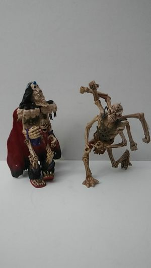 2 SKELETON WARRIOR ACRION FIGURE (554-0900) for Sale in Pompano Beach, FL