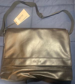 Kenneth Cole Leather Messenger Bag (brown) for Sale in Chicago, IL
