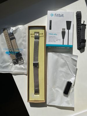 Fitbit Alta w/ 3 bands for Sale in Silver Spring, MD