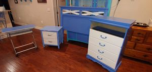 4 piece queen size bedroom sets for Sale in Bartow, FL