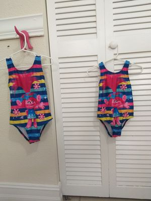 Traje de baño Poppy Trolls 4T y 2T for Sale in North Miami Beach, FL