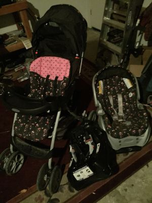 Gently used Gracco pink n black stroller, car seat and extra base $120 for Sale in Templeton, CA