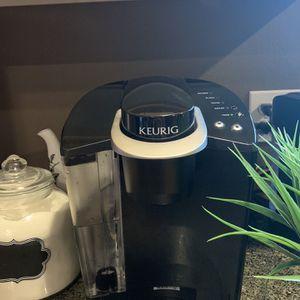 KEURIG COFFEE MAKER- CLASSIC for Sale in Sedro-Woolley, WA