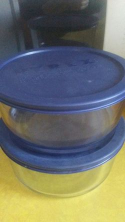 Large Pyrex food storage containers for Sale in Revere,  MA