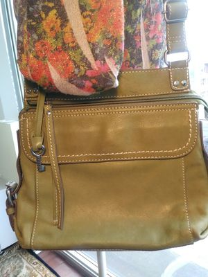 FOSSIL Lime Green Purse for Sale in St. Louis, MO