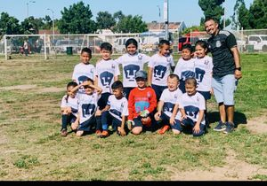 Soccer 5'6y7 añitos for Sale in Huntington Park, CA