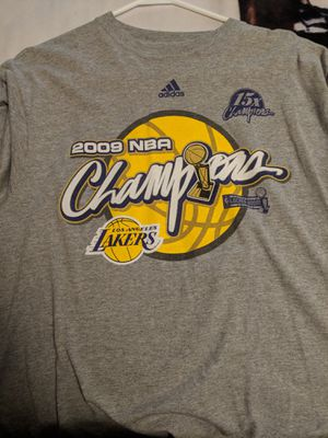 Lakers T-shirt for Sale in Kingsport, TN