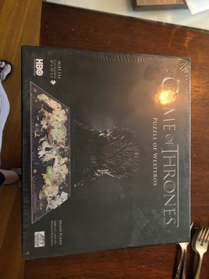 Game of thrones puzzle unopened brand new for Sale in Phoenix, AZ