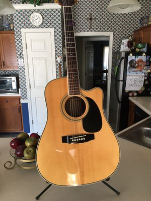 TAKAMINE EG334SC ACOUSTIC/ELECTRIC GUITAR for Sale in Memphis, TN