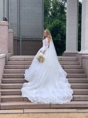 Wedding dress&Veil for Sale in Tacoma, WA