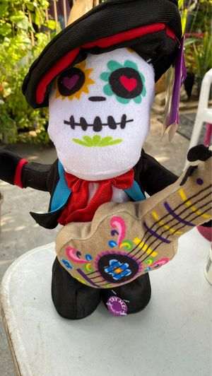 Day of the dead singing skull for Sale in Houston, TX