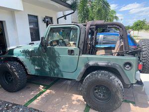 Jeep Wrangler tj for Sale in Hialeah, FL