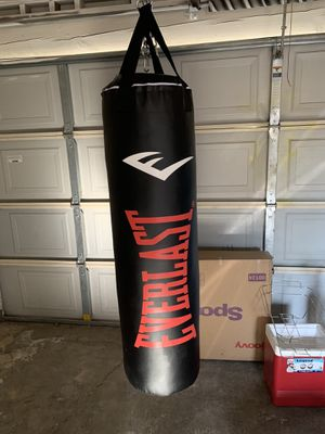 Brand New 100lb Punching Bag and Hanging Set for Sale in Richmond, CA