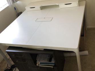 """IKEA Desk 55""""x55"""" w/Alex Riser for Sale in Oak Park,  CA"""
