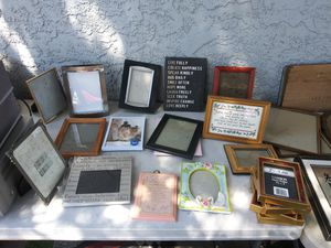 Cuadros para fotos y de pared. $2-$3 each. Wall Picture and Pictures frame for Sale in Las Vegas, NV