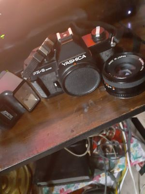 Vintage Yashica FX-3 Super Camera +lens and flash for Sale in New York, NY