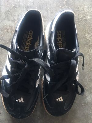 Adidas (brand new) size 1 - boys for Sale in Vancouver, WA