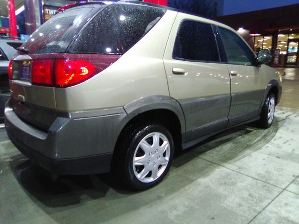 2005 Buick rendezvous SUV runs really good really clean low miles