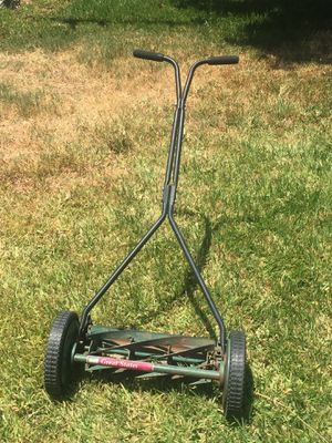 Old push lawn mower for Sale in Long Beach, CA