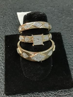 Diamond engagement ring and wedding band set free sizing for Sale in Pomona, CA