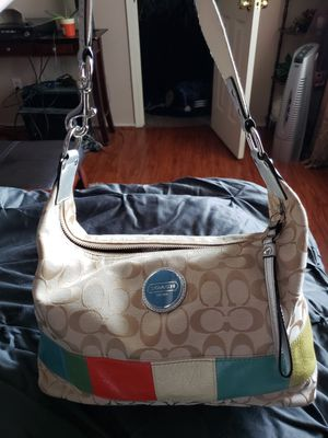 Coach SIS signature multi-color canvas hobo bag. for Sale in Houston, TX