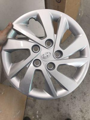 17-18 Hyundai Elantra hubcap for Sale in Denver, CO