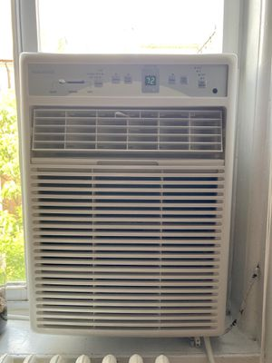 Frigidaire Window AC unit for Sale in New York, NY