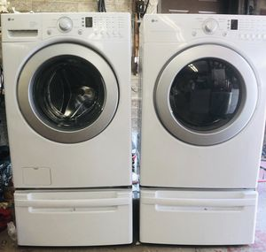 LG washer and dryer electric for Sale in Cedar Hills, UT