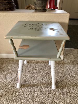 Vintage inspired accent table for Sale in Elk Grove, CA