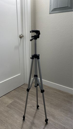 DSLR Camera Tri-Pod with quick mount for Sale in Los Angeles, CA