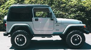 Jeep Wrangler 2001 4WD ! for Sale in Chicago, IL
