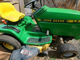 John Deere LX172 Riding Lawn Mower for Sale in West Linn,  OR